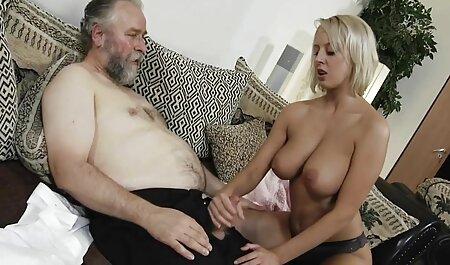 Claudia Adkins oma fickfilme Badezimmer Sex