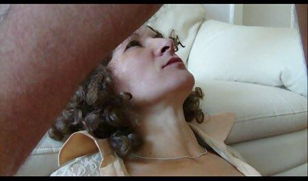 Versteckte japanische fickfilme Kamera fängt Sweetie Sandy beim Masturbieren zum Porno