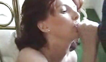 Mollige schwarze fickfilme in deutscher sprache Frau, die gebohrt wird