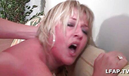 Daisy Marie und Simone reiben einen Dub in der Wanne ... sex und fickfilme Kyd